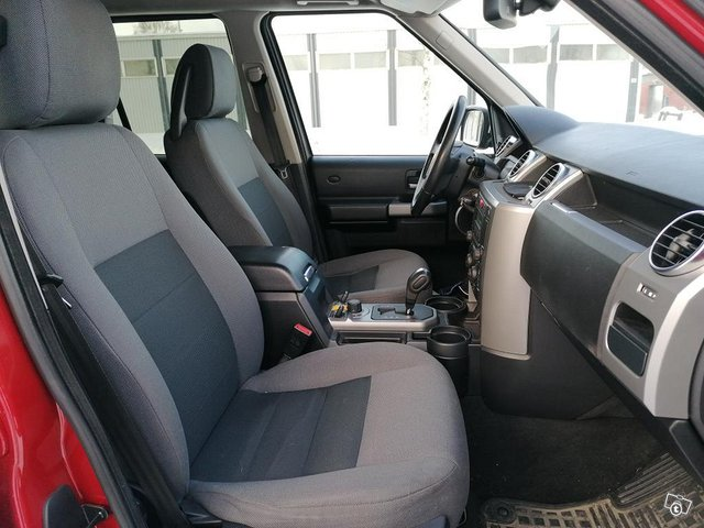 Land Rover Discovery 3 8