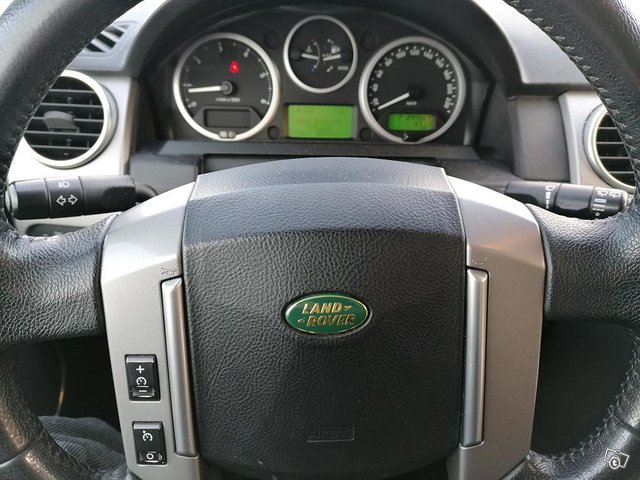 Land Rover Discovery 3 10