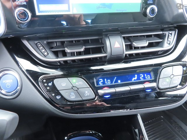 Toyota C-HR 24