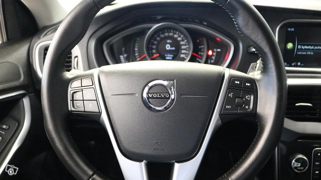 Volvo V40 Cross Country 15