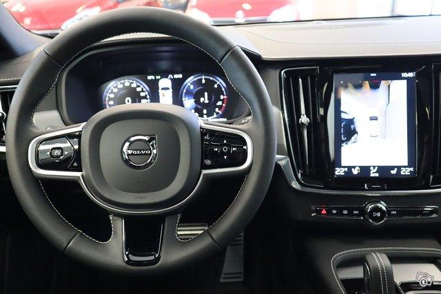 Volvo V90 13