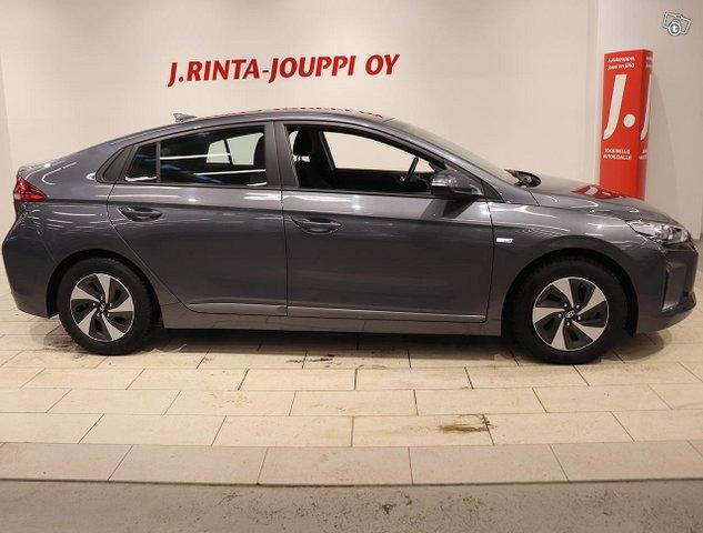 Hyundai IONIQ Hybrid 4