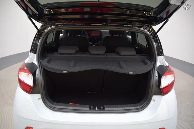 Hyundai 9