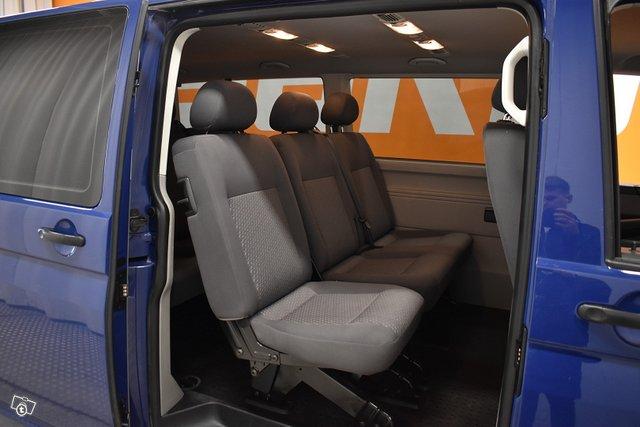 Volkswagen Caravelle 8