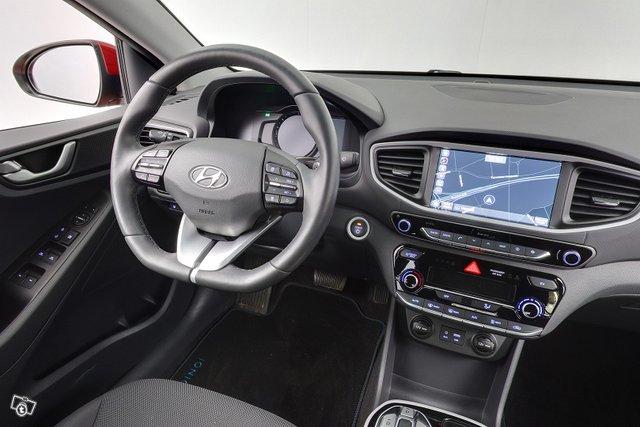 Hyundai IONIQ ELECTRIC 12