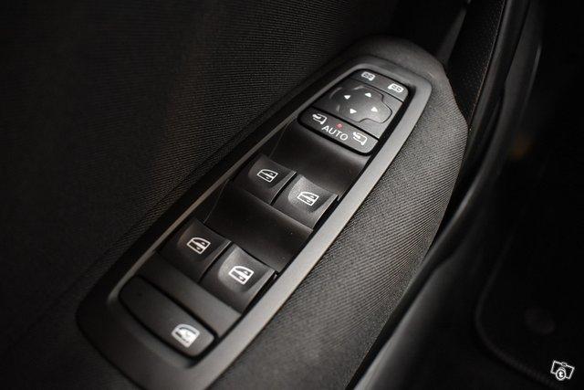 Renault Megane 25