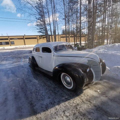 Ford Custom 1
