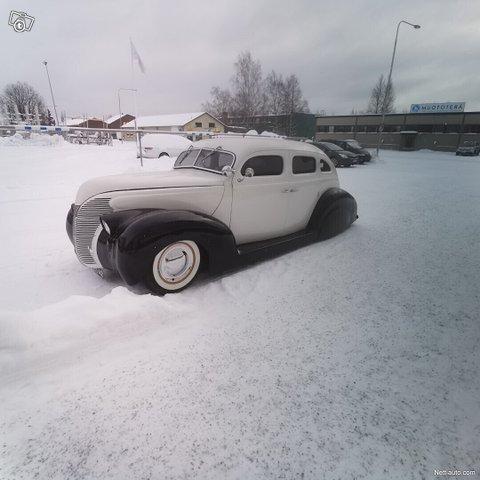 Ford Custom 11