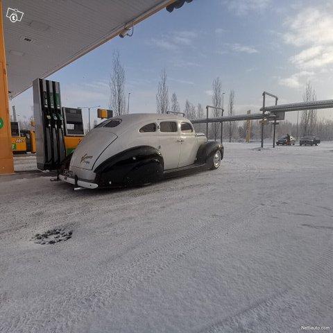 Ford Custom 13