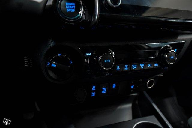 Toyota HILUX 13
