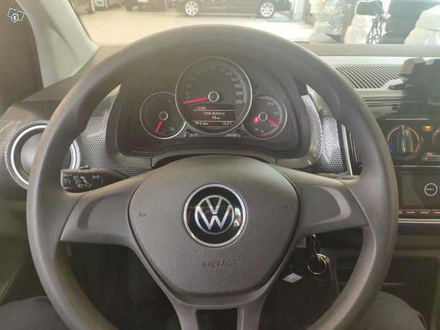 Volkswagen Up 11