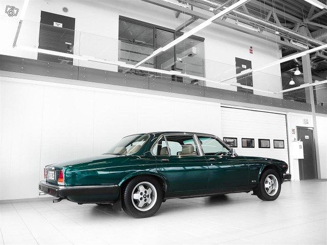 Jaguar XJ6 4