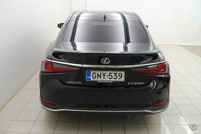 Lexus ES 5