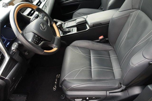 Lexus ES 6