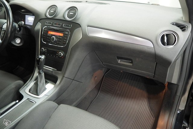 Ford Mondeo 22