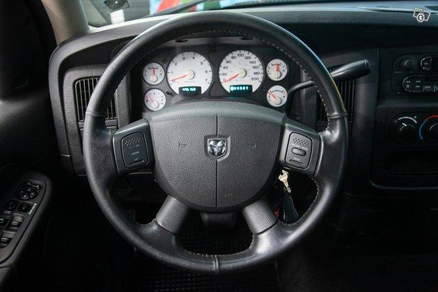 Dodge RAM 1500 14