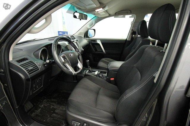 Toyota LAND CRUISER 5