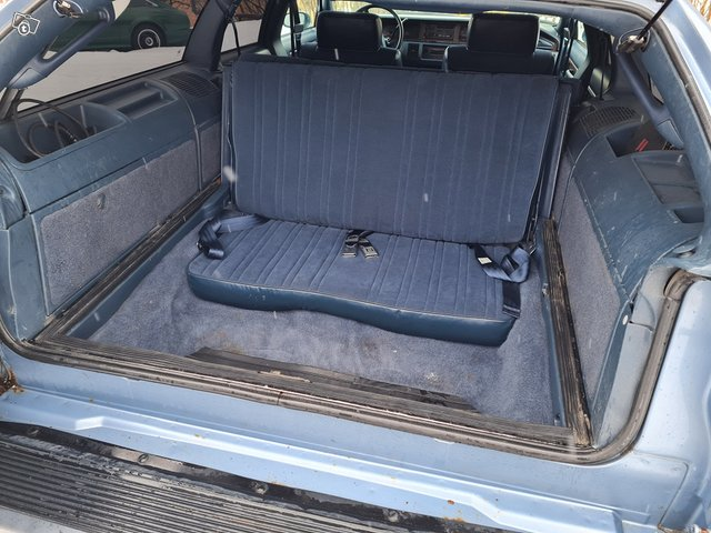 Oldsmobile Custom Cruiser 9