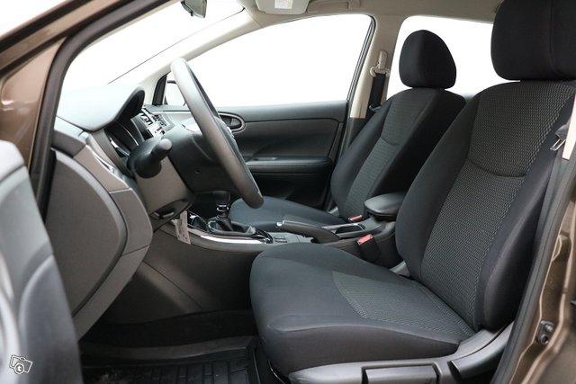 Nissan Pulsar 9