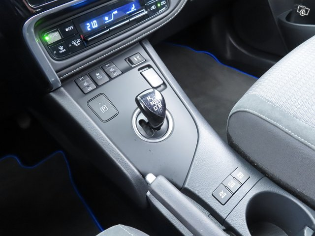 Toyota AURIS 23