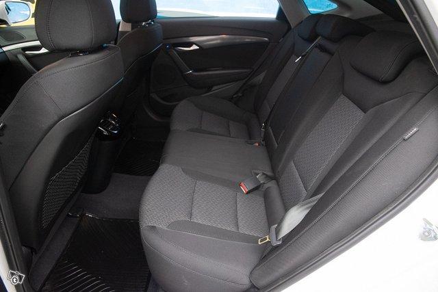 Hyundai I40 Sedan 11