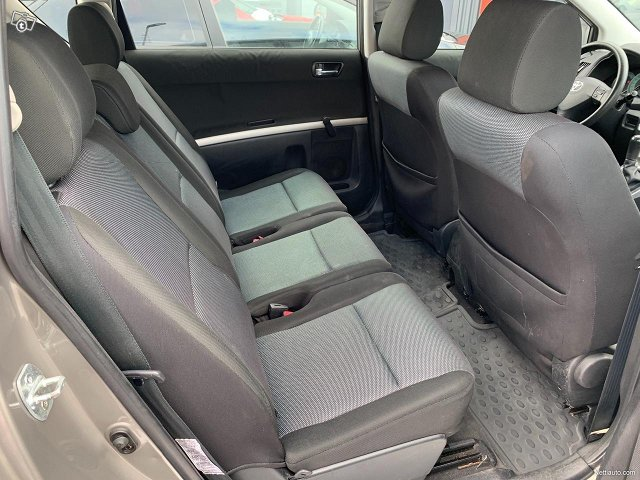 Toyota Corolla Verso 12