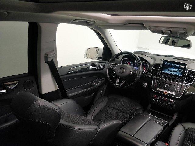Mercedes-Benz GLE 10