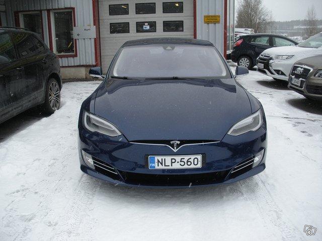 Tesla Model S 10