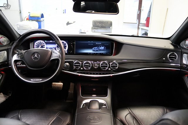 Mercedes-Benz S 63 AMG 8