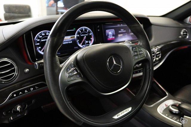 Mercedes-Benz S 63 AMG 11
