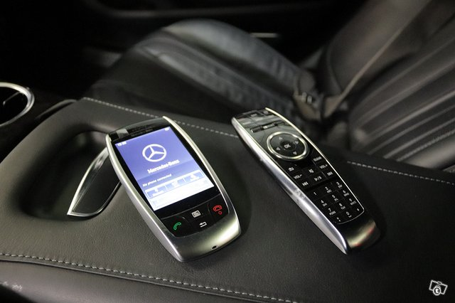 Mercedes-Benz S 63 AMG 12
