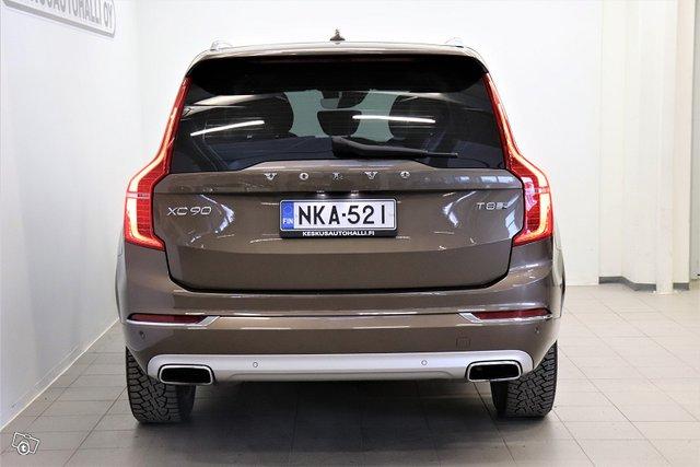 Volvo XC90 4