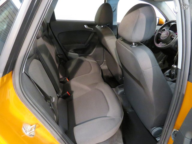Audi A1 8