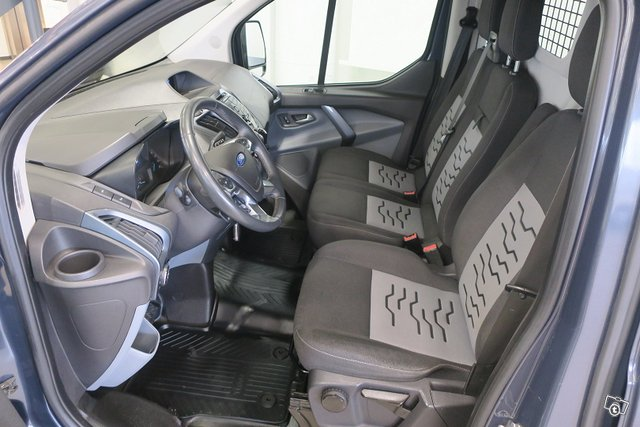 Ford Transit Custom 6