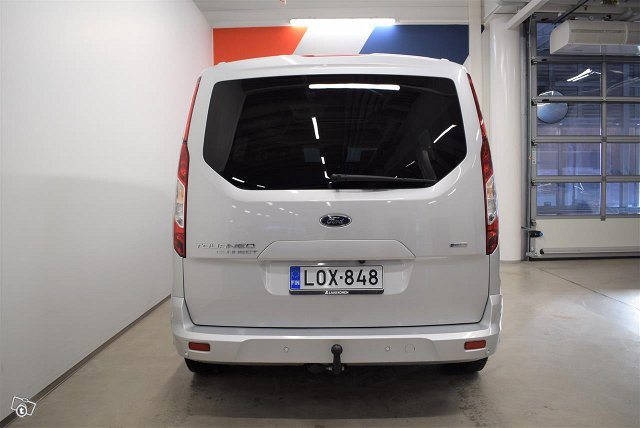 FORD Grand Tourneo Connec 5