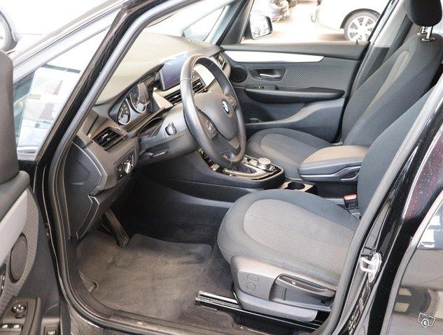 BMW 218 7