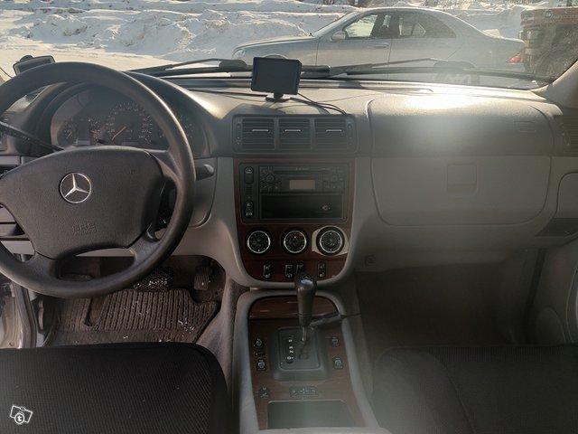 Mercedes-Benz ML 8