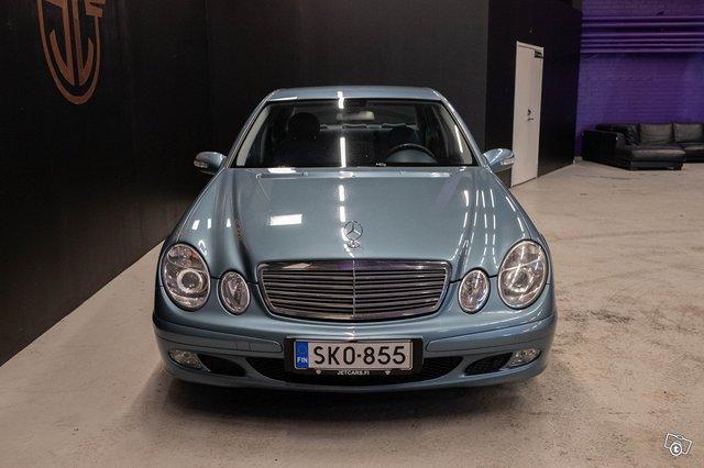 Mercedes-Benz E 220 CDI 2