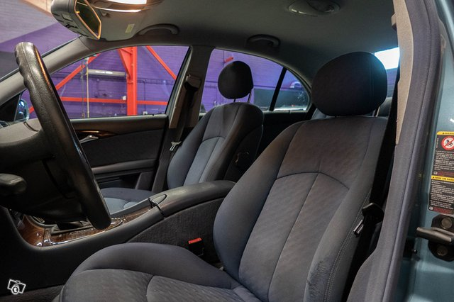 Mercedes-Benz E 220 CDI 12
