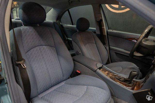 Mercedes-Benz E 220 CDI 13