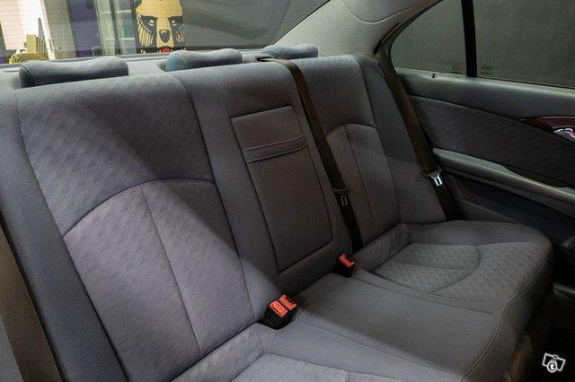 Mercedes-Benz E 220 CDI 16