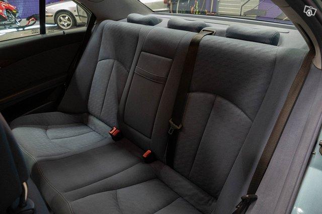 Mercedes-Benz E 220 CDI 17