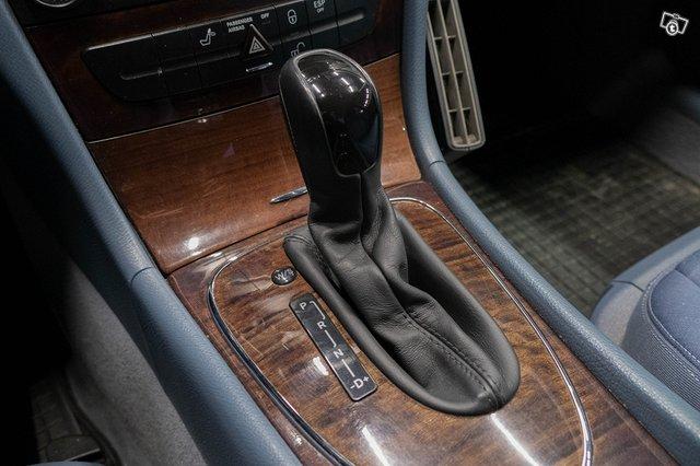 Mercedes-Benz E 220 CDI 23