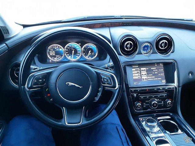 Jaguar XJ 10