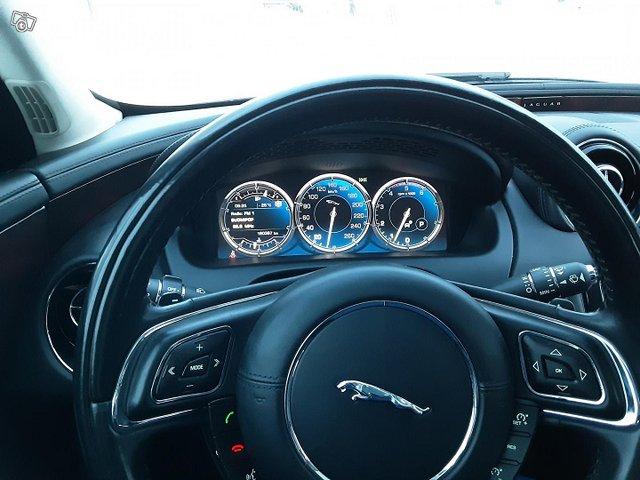 Jaguar XJ 11