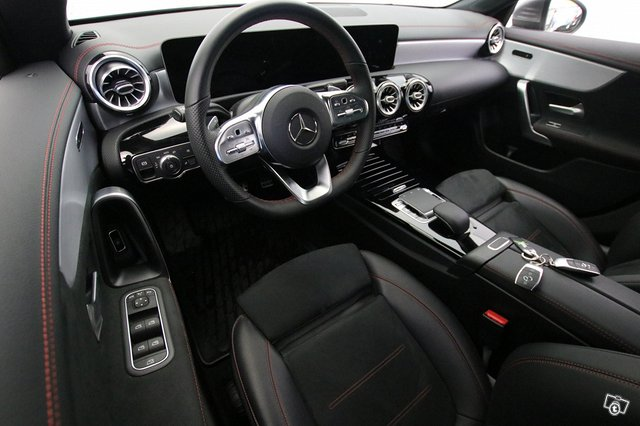 Mercedes-Benz CLA 7