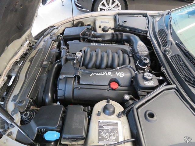 Jaguar XK8 15