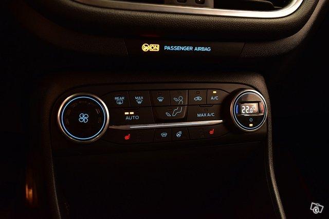 Ford Fiesta Van 17
