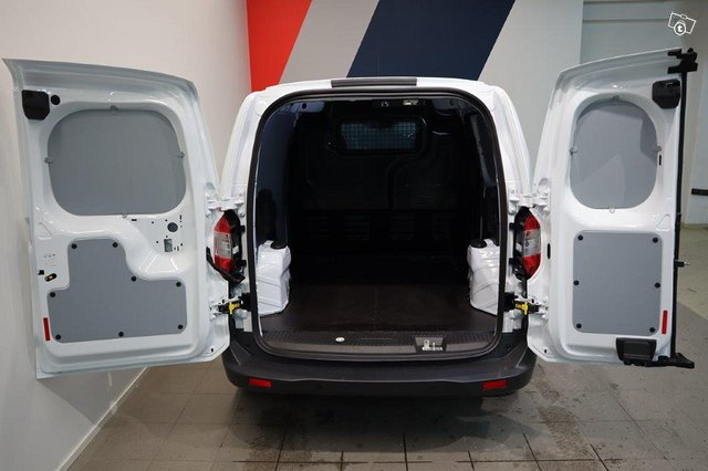 Ford Transit Courier 9