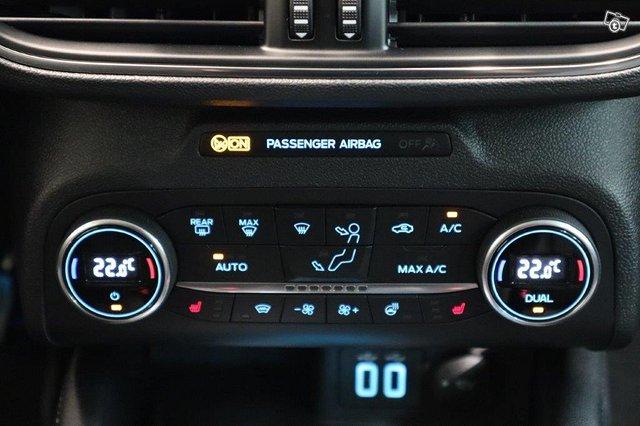 Ford Focus 24